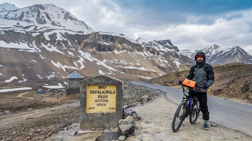 Rower elektryczny w górach